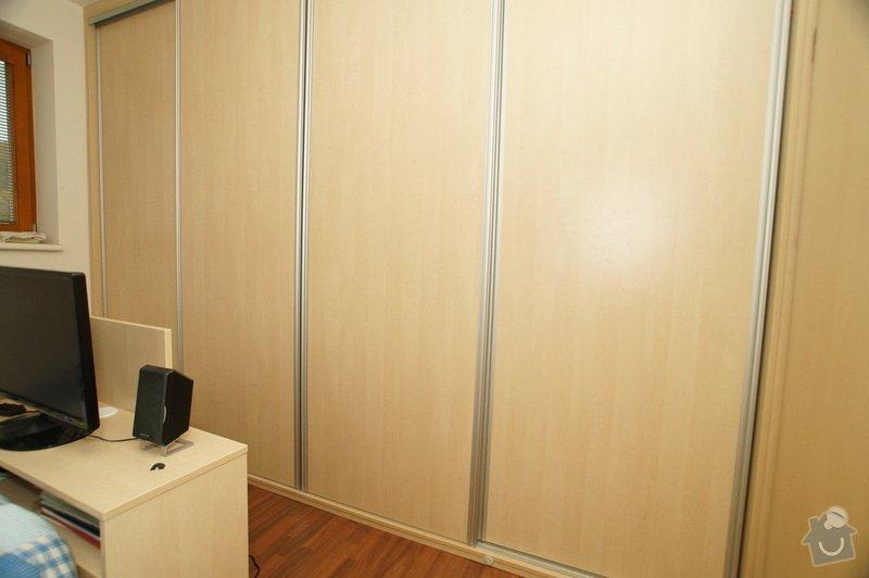 Vestavěná skříň, obyváková stěna, psací stůl s policí: KLENOVSKY_4