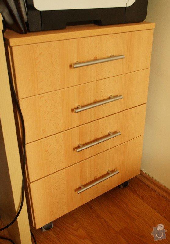 Šatní skříně,psací stoly a věšáky.: SKLENAROVA_3