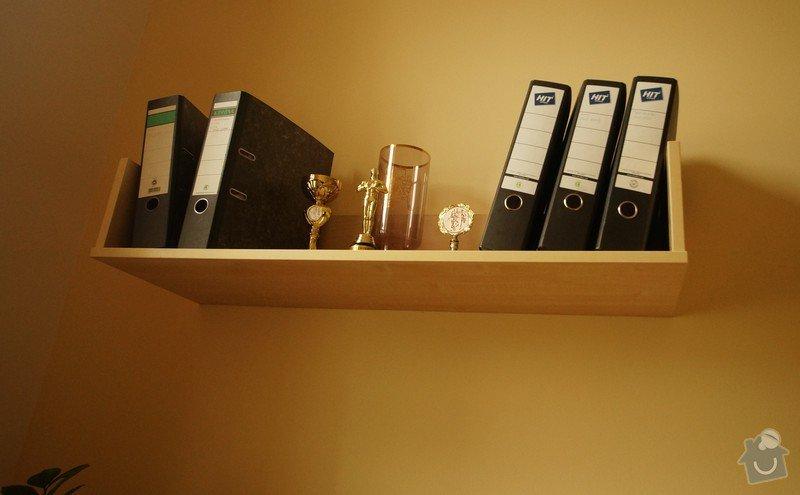 Nábytek do dvou studentských pokojů - vestavěné skříně, psací stoly, police: SKLENAROVA_5
