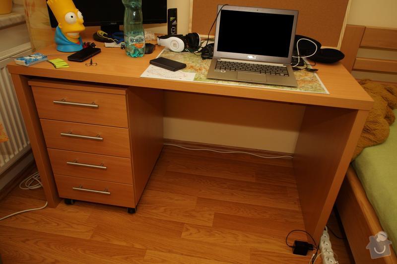 Nábytek do dvou studentských pokojů - vestavěné skříně, psací stoly, police: SKLENAROVA_8