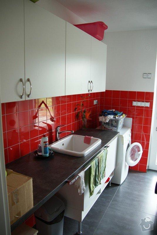 Kuchyňská linka, pracovní místnost, psací stůl, šatna: SUCHANKOVA_3