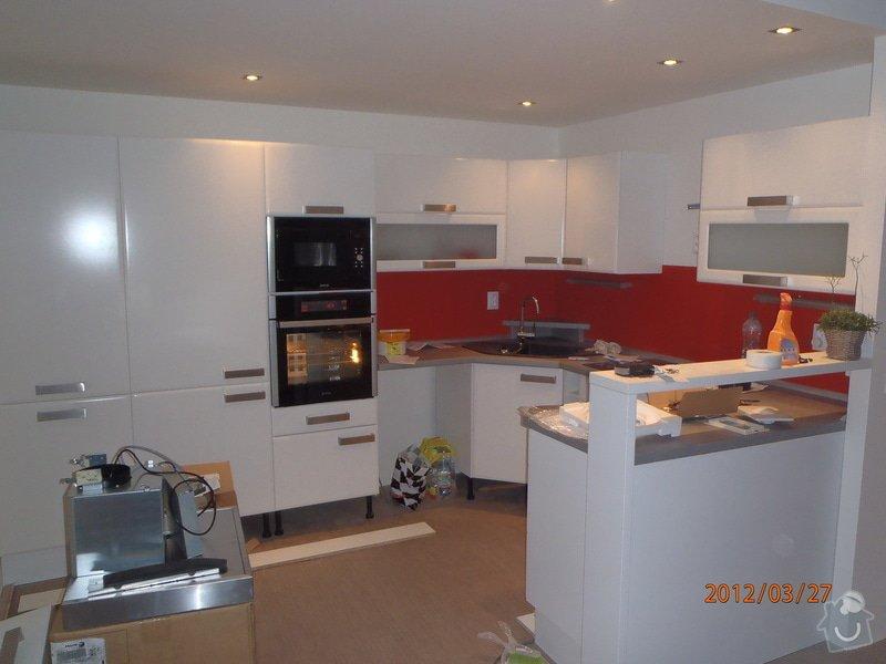 Lacobel za kuchynskou linku: P3270019