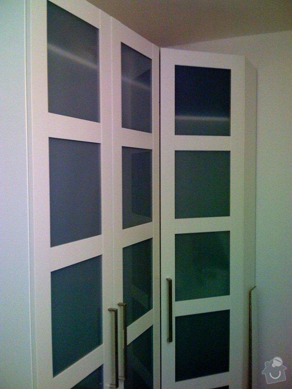 Rekonstrukce kuchyně a chodby bytu: satni_skrine_chodba