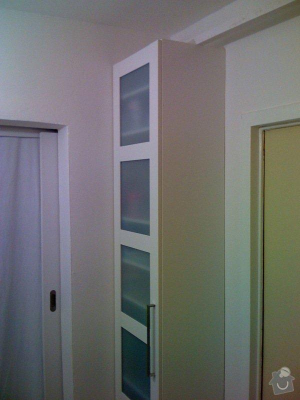 Rekonstrukce kuchyně a chodby bytu: skrinka_chodba