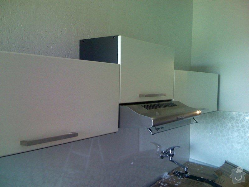 Rekonstrukce kuchyně a chodby bytu: instalace_k.linky