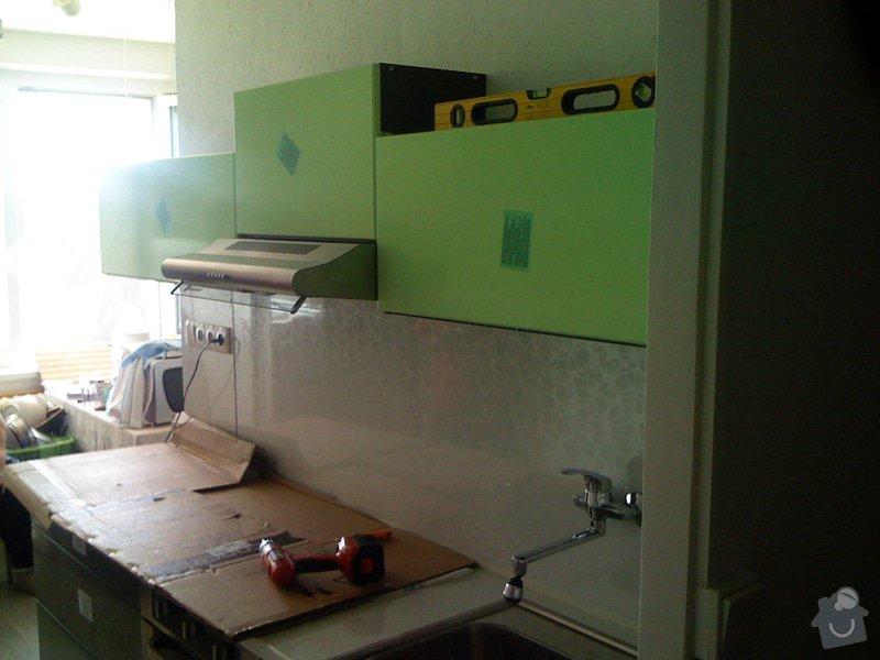 Rekonstrukce kuchyně a chodby bytu: k.linka_montaz
