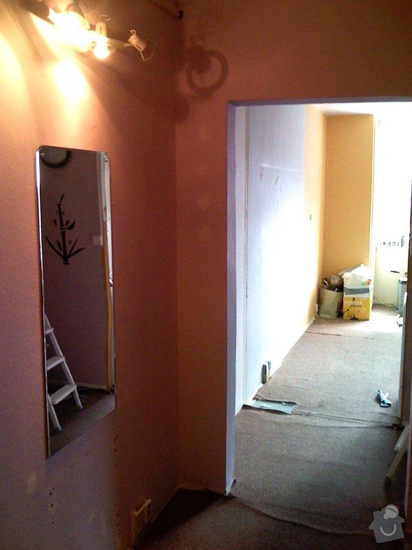 Rekonstrukce kuchyně a chodby bytu: puvodni_stav_chodba_kuchyn