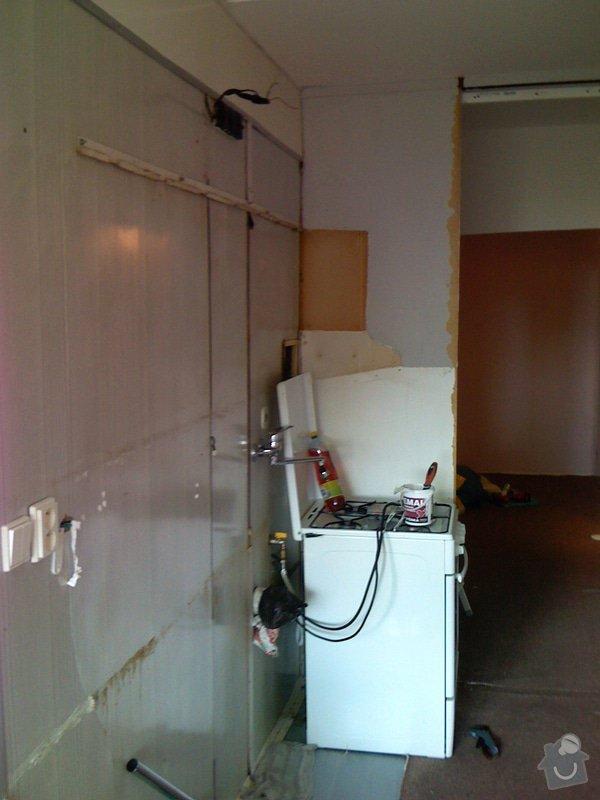 Rekonstrukce kuchyně a chodby bytu: puvodni_stav_msto_pro_kuch.linku