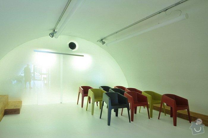 Rekonstrukce showroomu zdravotnických přístrojů: pneuven-holesovice-04