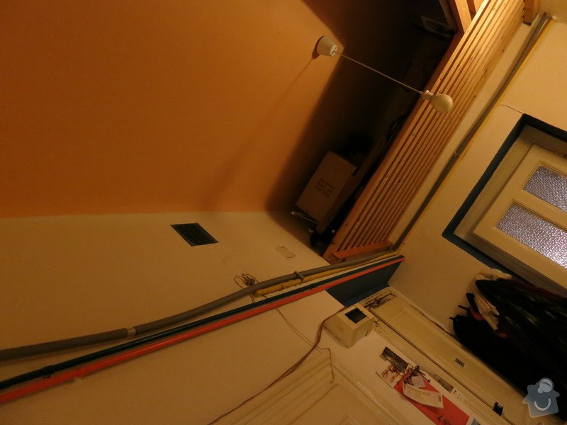 Připojení kuchyně na teplou vodu z kotle v koupelně: IMG_0054