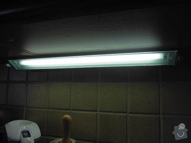Elektroinstalace světel pro nastavající kuchyňskou linkou: SDC19174