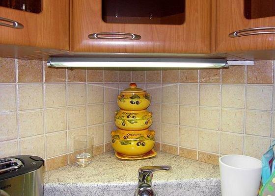 Elektroinstalace světel pro nastavající kuchyňskou linkou
