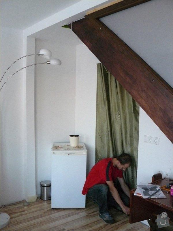 Na míru dělanou malou kuchyňskou linku, skříň a zásuvné dvěře: P1050501