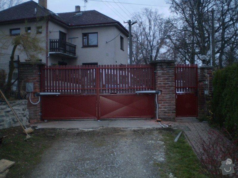 Dodání a montáž garážových vrat a brány: PB210008