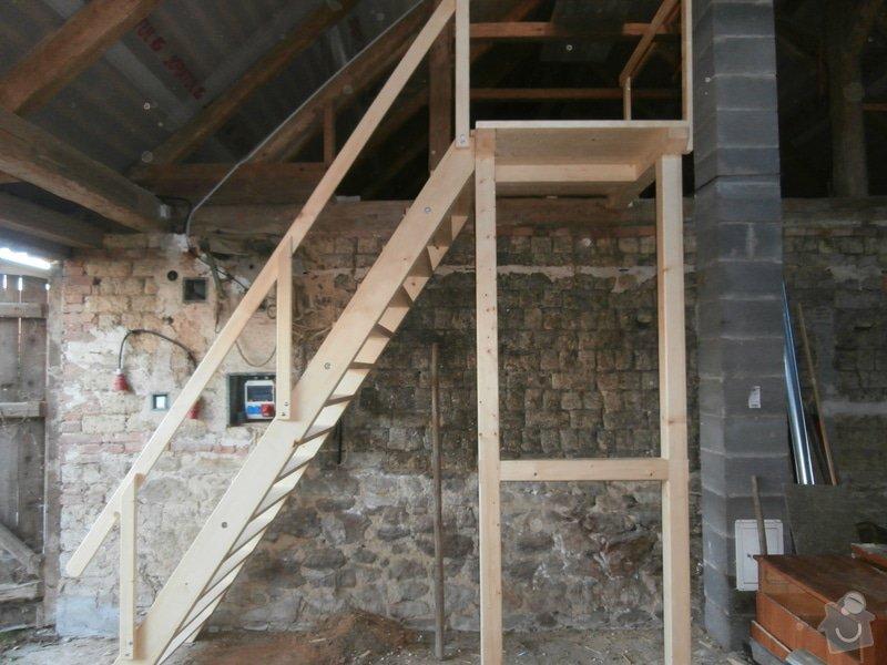Drevěné schody s podestou: PB030078