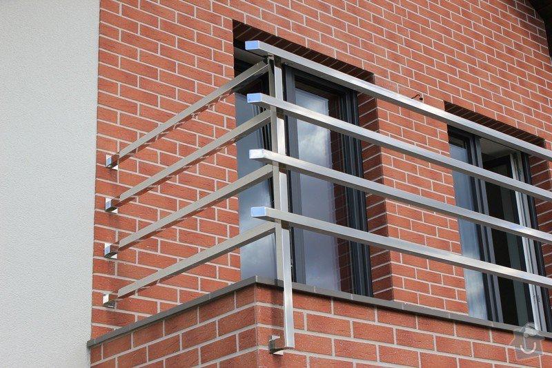 Balkónové zábradlí z nerezi a interiérové zábradlí: IMG_0532