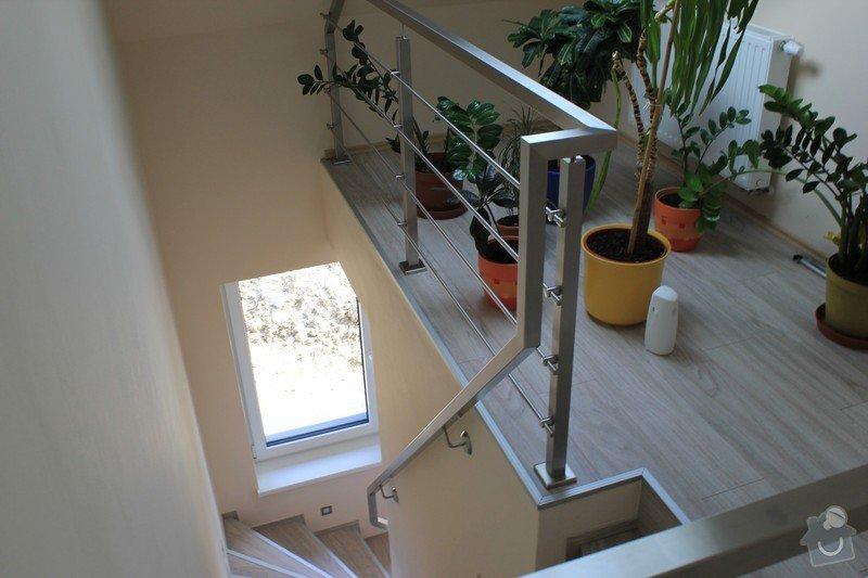 Balkónové zábradlí z nerezi a interiérové zábradlí: IMG_0543