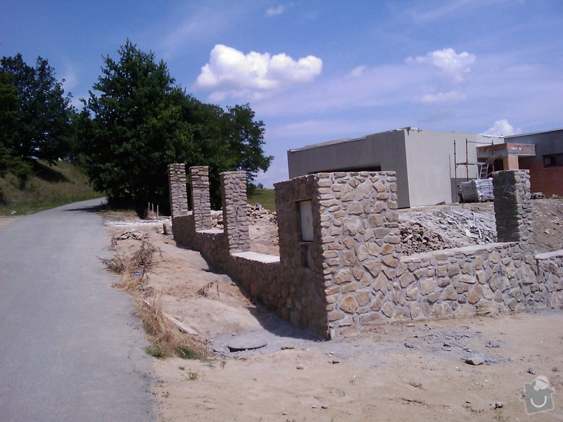 Kamenný plot: IMAG0499