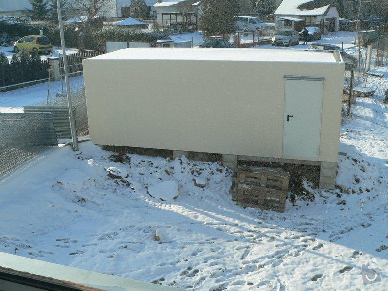 Stavba podpůrné zdi 10m x 1m, Buštěhrad: garaz_bez_ohrady
