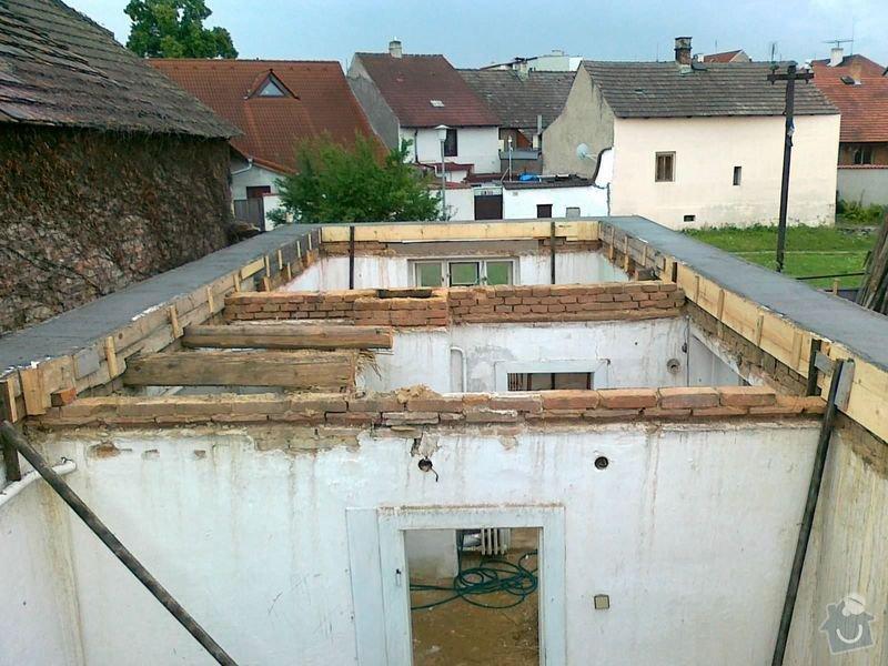 Rekonstrukce rodinného domu formou nízkoenergetické dřevostavby.: 20072012494