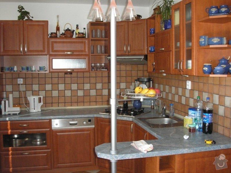 Výroba,montáž kuchyně,vestavěné skříně,dveří,pokládka plovoucí podlahy.: kuchyn_v1