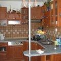 Vyroba montaz kuchyne vestavene skrine dveri pokladka plovouc kuchyn v1