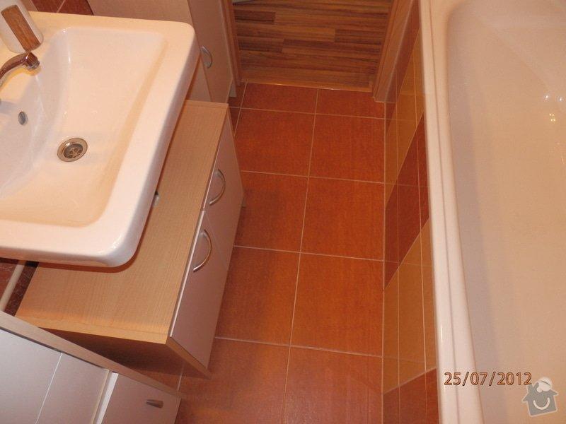Rekonstrukce bytového jádra,pokládka plovoucí podlahy: P7250042