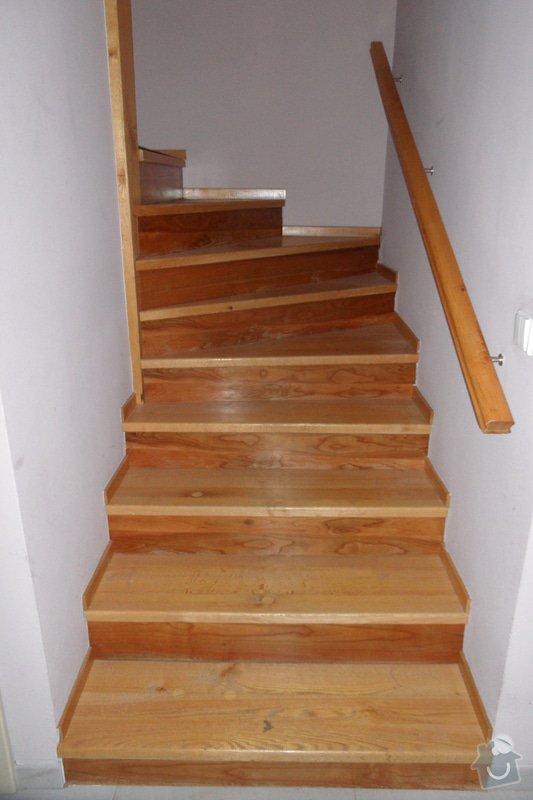 Broušení a lakování dřevěných schodů: SAM_1878