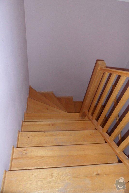 Broušení a lakování dřevěných schodů: SAM_1880