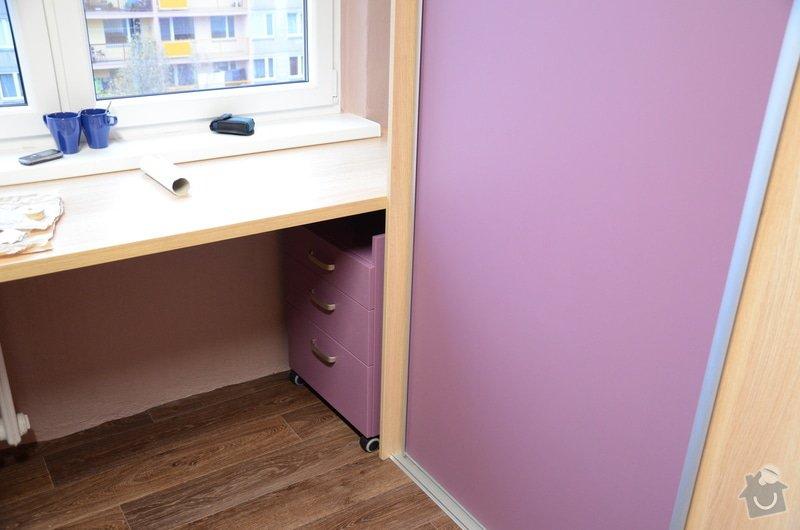 Dětský pokoj, vestavěná skříň a stůl: DSC_1000