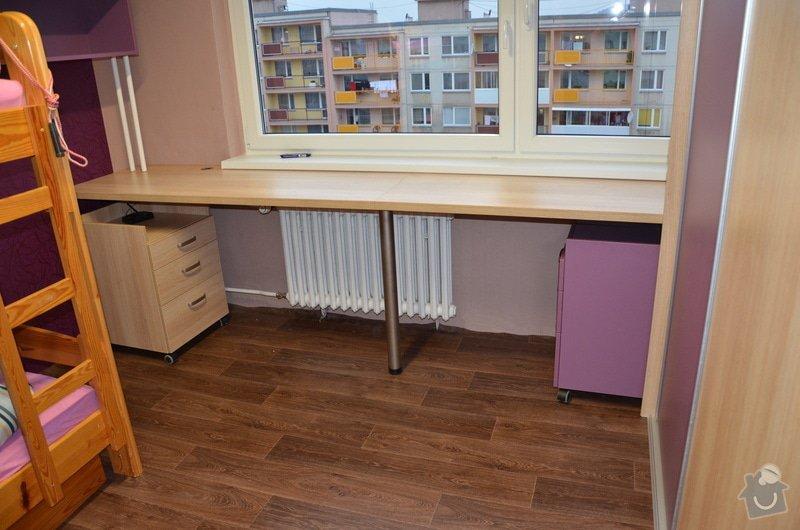 Dětský pokoj, vestavěná skříň a stůl: DSC_1012