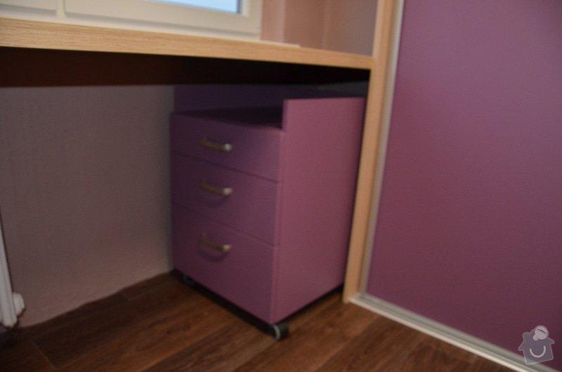 Dětský pokoj, vestavěná skříň a stůl: DSC_1013