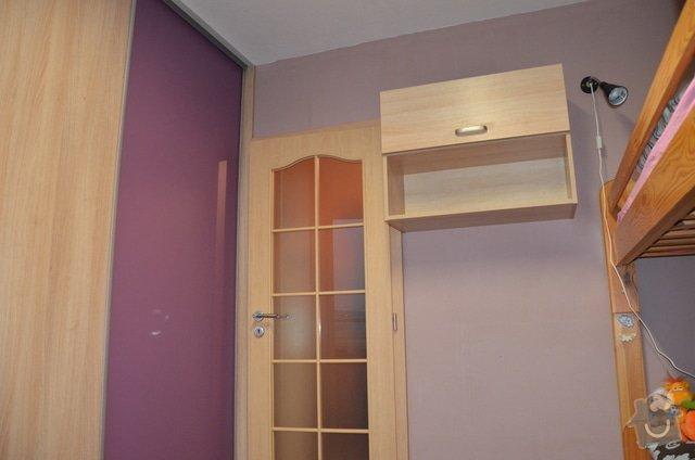 Dětský pokoj, vestavěná skříň a stůl: DSC_1015