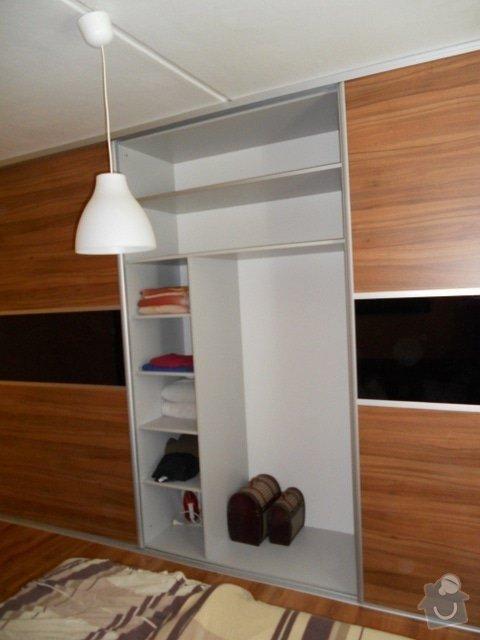Výroba vestavěné skříně, vestavěného botníku, 2 ks komod , a další truhlářské práce: DSCN1378
