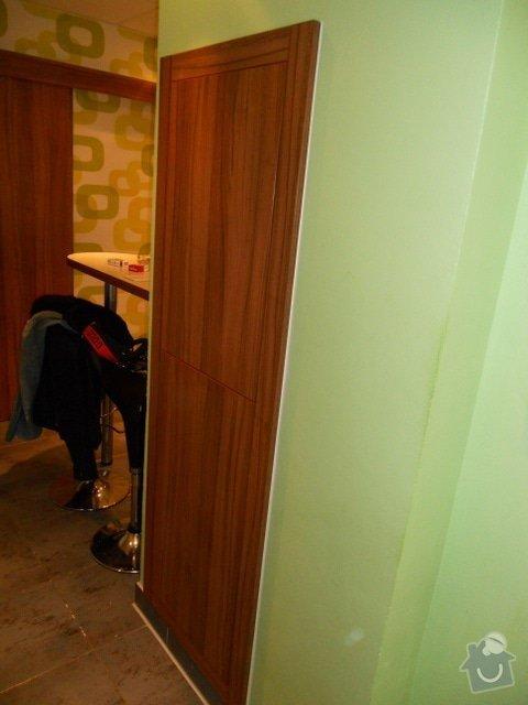 Výroba vestavěné skříně, vestavěného botníku, 2 ks komod , a další truhlářské práce: DSCN1384