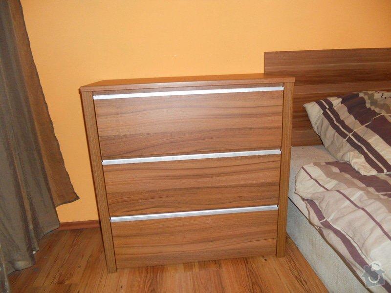 Výroba vestavěné skříně, vestavěného botníku, 2 ks komod , a další truhlářské práce: DSCN1450