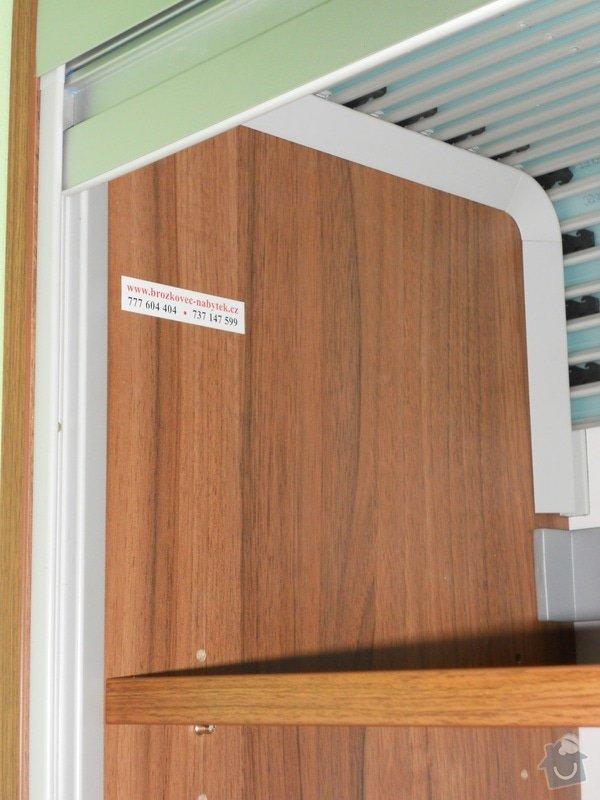 Výroba vestavěné skříně, vestavěného botníku, 2 ks komod , a další truhlářské práce: DSCN1461