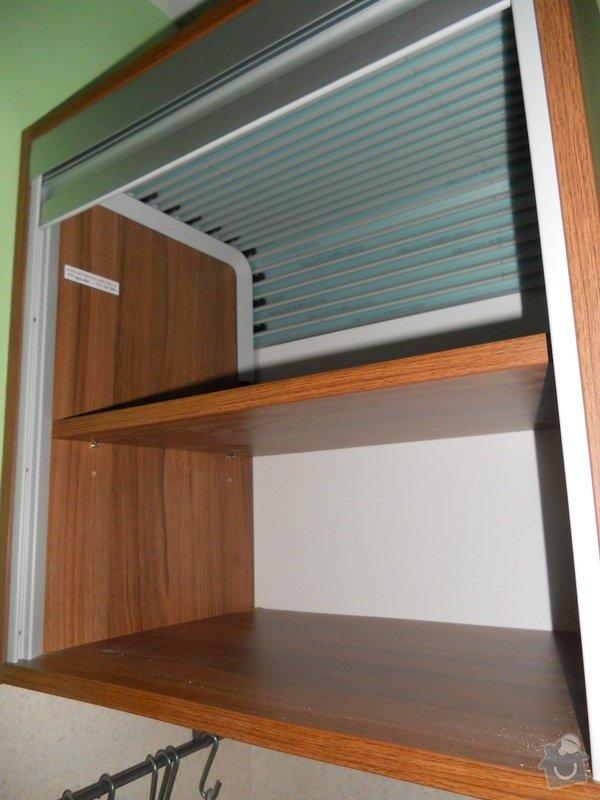 Výroba vestavěné skříně, vestavěného botníku, 2 ks komod , a další truhlářské práce: DSCN1462