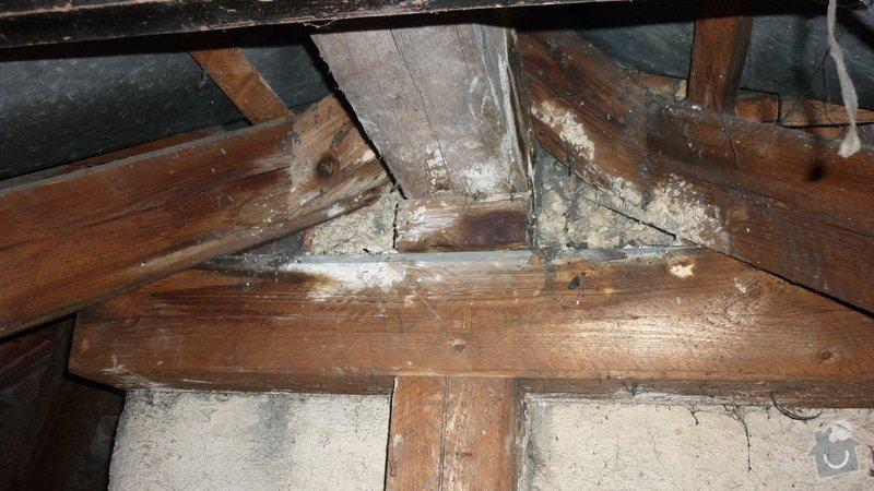 Tesařské práce, oddálení dřevěné konstrukce od komína: P1050217
