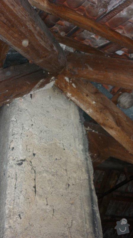 Tesařské práce, oddálení dřevěné konstrukce od komína: P1050234
