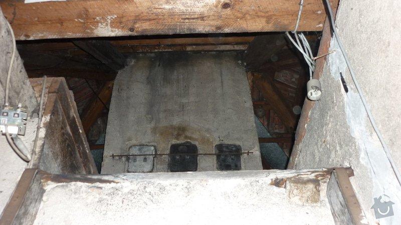 Tesařské práce, oddálení dřevěné konstrukce od komína: P1050235