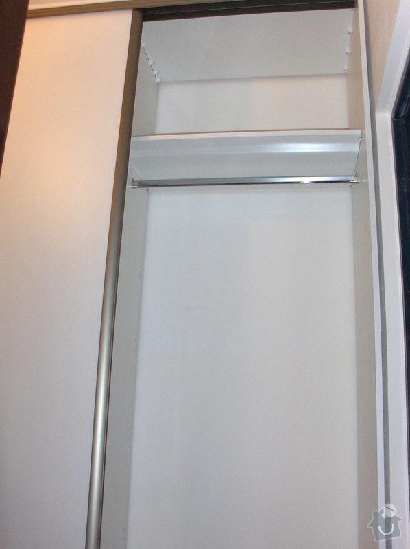 Jednoduchá vestavěná skříń: HPIM0435