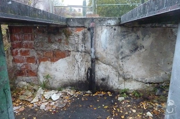 Oprava podpěrné zdi: P1110669