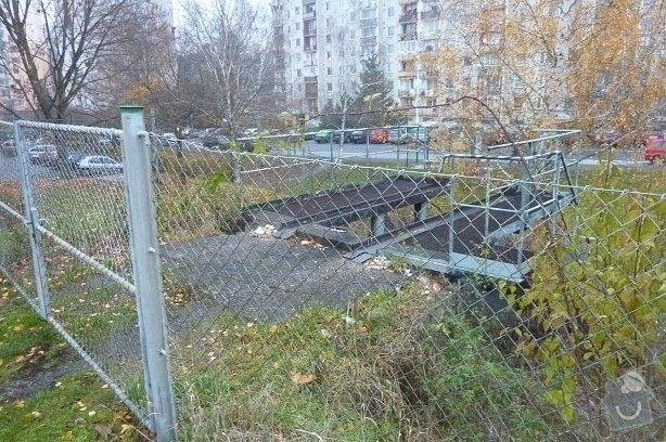 Oprava podpěrné zdi: P1110663