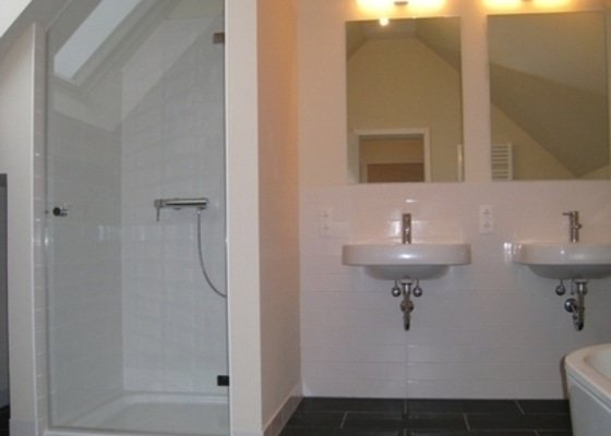 Kompletní koupelna v podkroví
