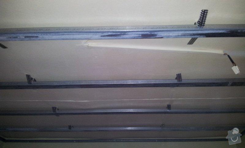 Nový rovný strop a výmalba: 20121115_095831