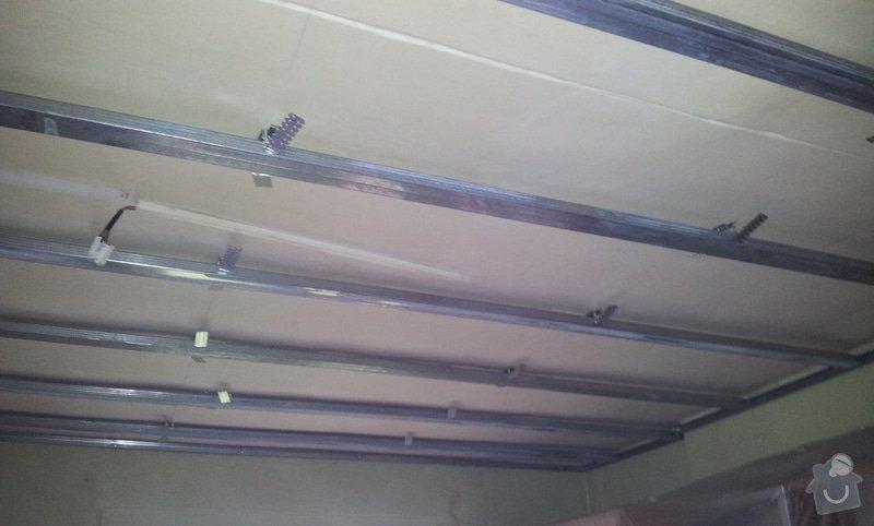 Nový rovný strop a výmalba: 20121115_095841
