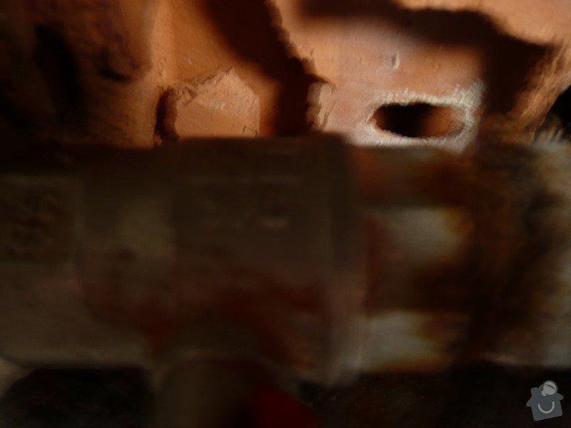 Instalater-vymena uzaveru vody stoupacka, k´´zaviracich kohoutu pod umyvadlem: P1170493