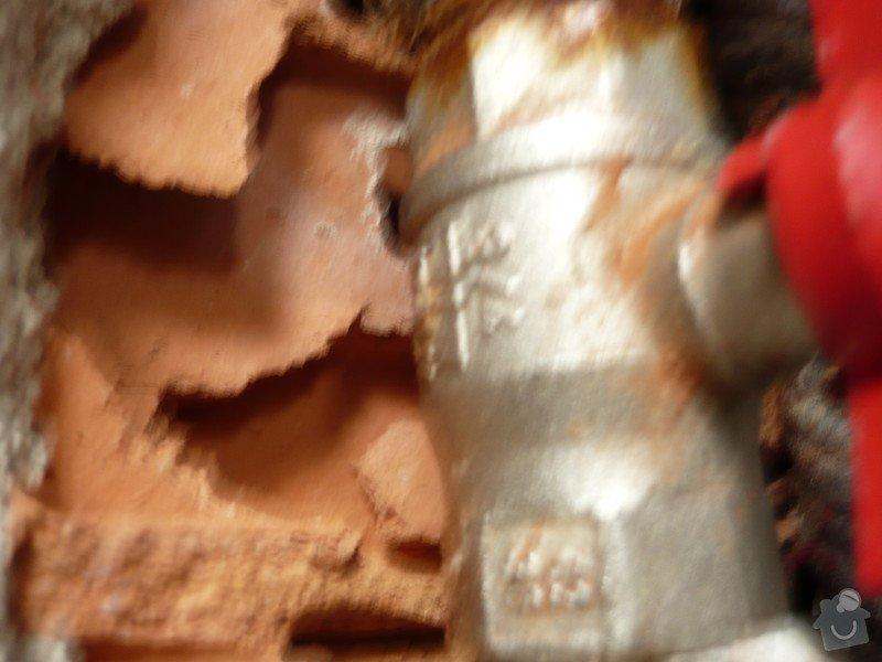 Instalater-vymena uzaveru vody stoupacka, k´´zaviracich kohoutu pod umyvadlem: P1170494
