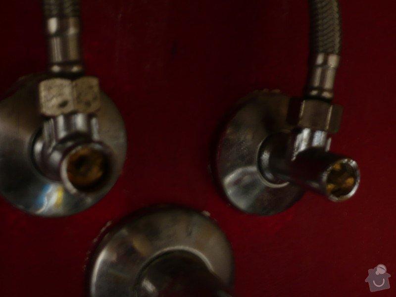 Instalater-vymena uzaveru vody stoupacka, k´´zaviracich kohoutu pod umyvadlem: P1170499